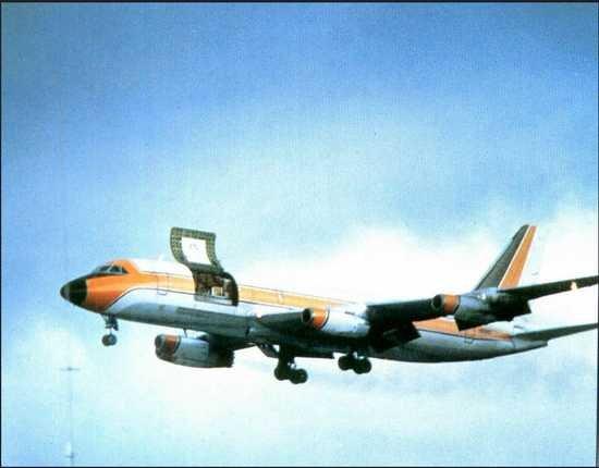 Convair 880 with cargo door open.