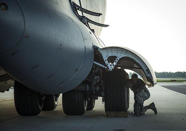 C 17 landing gear