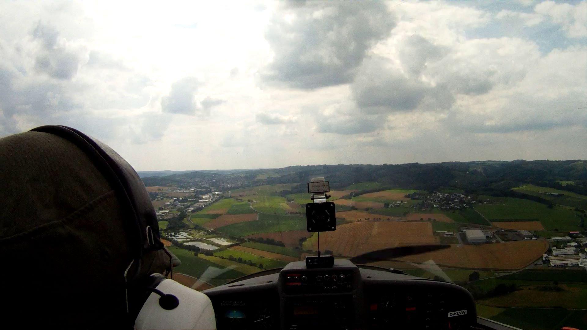 Dimona Cockpit 2